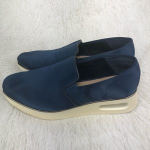 KARL LAGERFIELD Cameo2 Blue Size 6.5. EUC.